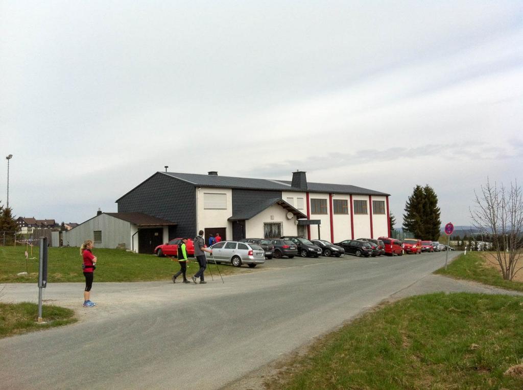 Nordic-Walking-Halbmarathon rund um den Döbraberg 2015: Vereinsheim in Döbra